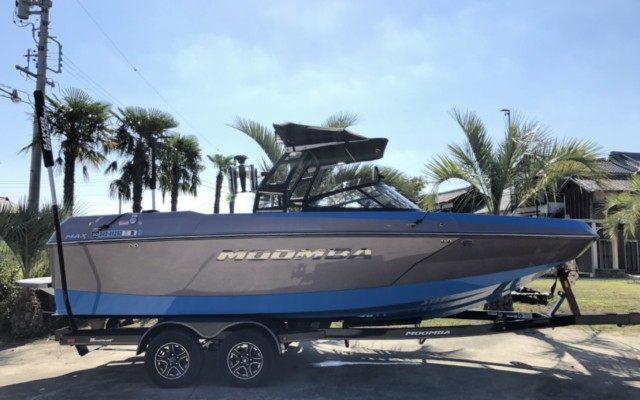 2018 MOOMBA MAX BlueColor